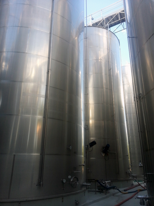 Stainless steel tanks 250 cubic metres